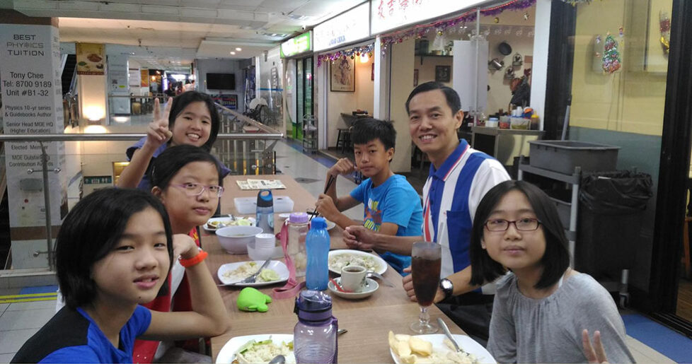 Mr Howard Yu Dining With Students